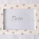 DOM- RAMKA na zdjęcia 03-drewniana biała 10x15 folkowe różowe kwiatuszki wzór i zielone listki, pastelowa-02