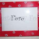 DOM- RAMKA na zdjęcia 04-drewniana czerwona 10x15 folkowe różowe kwiatuszki wzór i zielone listki-01