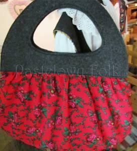 ONA-torebka 02-duża filcowa góralska folk folkowa grafitowa szara czarny czerwone różyczki tybet marszczona -04