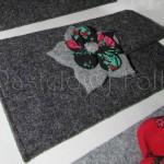 ONA-torebka 07- mała kopertówka filcowa retro góralska folk grafitowa szara czarny biały ecru beż różowa czerwona kwiat ptaszek ptak kokardka-02
