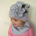 czapka dla dzieci 52- szara beanie z retro kwiatem i perelka, dziewczynka dzianina_03