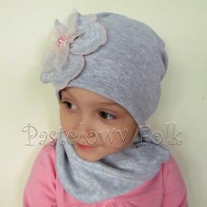 czapka dla dzieci 54- szara beanie z retro dużym kwiatem i różowymi perełkami, dziewczynka dzianina_01