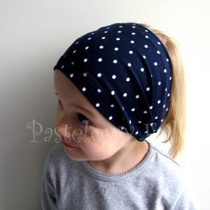czapka dla dzieci 55- komin opaska komplet, granatowa w kropki groszki z retro kwiatami i perełkami, dziewczynka dzianina_07