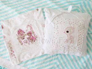 dom-poszewka na poduszkę 04 -30x30 cm bawełniana pastelowa shabby retro dziewczynki  kwiatki białe beż róż różowe koronki dzianina-00miniatura