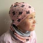 dziecko-czapka 107-dzianinowa rozowa lososiowa w czarne kokardki, komplet komin-03