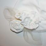 dziecko-czapka 129- biała ecru do chrzru, roczek, chrzest kwiaty tiul retro-03