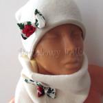 dziecko-czapka 154- ecru bezowa dzianinowa z biala kokarda, tybet w rozyczki, goralska w roze komin kokardki duzy damski-02