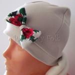 dziecko-czapka 155- bezowa dzianinowa z biala kokarda, tybet w rozyczki, goralska w roze komin kokardki duzy damski-02