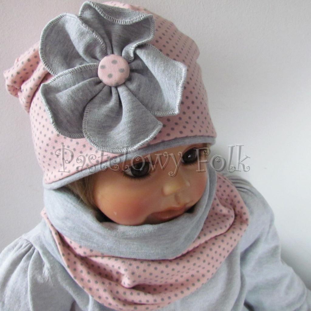 dziecko-czapka-205-rozowa-w-szare-kropki-z-szarym-duzym-kwiatem-jesienna-chustka-komin-02