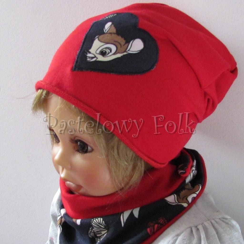 dziecko-czapka-222-czerwona-dresowka-z-sercem-aplikacja-granatowa-z-sarenka-bambi-zajaczek-chustka-04