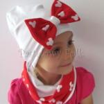 dziecko-czapka-226-biala-z-duza-czerwona-kokarda-w-biale-myszki-minnie-ogromna-komin-chustka-07