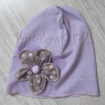 dziecko-czapka 28B-dzianinowa dla dziewczynki, fioletowa z retro kwiatem w groszki -07