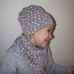 dziecko-czapka 29-beanie dzianinowa dla dziewczynki, beżowa w fioletowe i różowe groszki -06