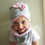 dziecko-czapka 65-rozowa w serduszka,szara podwojna wiazana z kokardka, komplet dla dziewczynki, komin, opaska _02