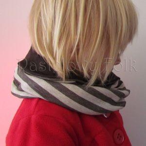 dziecko-czapka komin dla niej niego chłopca dziewczynki 11-smerfetka paski ecru brązowa czekoladowa dzianinowa wiosenna jesienna zimowa komplet-07