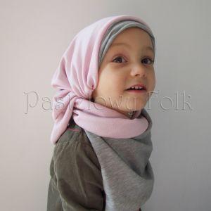 dziecko-komin dla dziewczynki 07-retro pastelowy szary różowy dzianinowy wiosenny jesienny zimowy chustka narzutka czapka opaska komplet-05