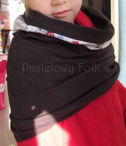 dziecko-komin narzutka dla dziewczynki 10-retro folk biała brązowa czekoladowa dzianinowa wiosenna jesienna  kwiatuszki róże różyczki czerwone komplet-01