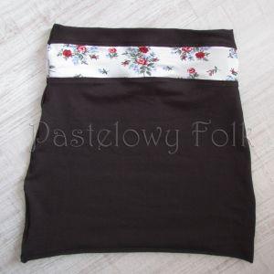 dziecko-komin narzutka dla dziewczynki 10-retro folk biała brązowa czekoladowa dzianinowa wiosenna jesienna  kwiatuszki róże różyczki czerwone komplet-02