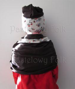 dziecko-komin narzutka dla dziewczynki 10-retro folk biała brązowa czekoladowa dzianinowa wiosenna jesienna  kwiatuszki róże różyczki czerwone komplet-03