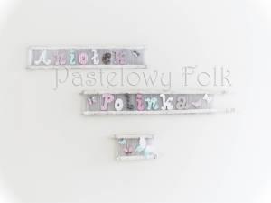 dziecko-literki 01-pastelowe kropeczki kwiatuszki ręcznie malowane krosna białe różowe miętowe beżowe -02