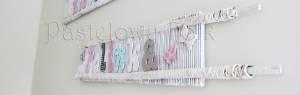 dziecko-literki 01-pastelowe kropeczki kwiatuszki ręcznie malowane krosna białe różowe miętowe beżowe -03