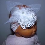 dziecko-opaska 144-biala ecru koronkowa z tiulem kwiatem perelka koronka-01
