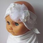 dziecko-opaska 68- ecru kremowa dzianinowa z trzema kwiatkami tiul, perelka chrzest-01