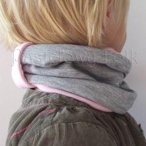 dziecko-opaska chustka komin dla dziewczynki 16-retro pastelowa szara różowa dzianinowa wiosenna jesienna zimowa komplet-06