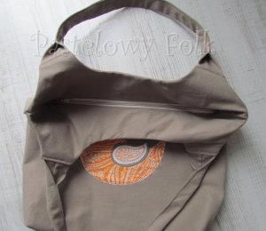 ONA-torebka 08- duza torba bezowa bez ptaszek folkowy folk aplikacja pomarańczowy biały ecru beż ptak rękodzieło jedyna unikatowa-04 logo