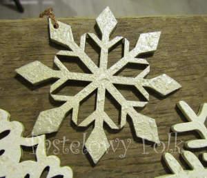 SWIETA choinka-zawieszka 04_ drewniana śnieżka bombka gwiazda brokat zimowa świąteczna srebrny szary_02 2