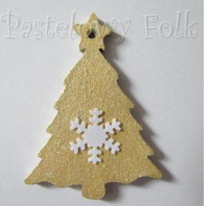 SWIETA choinka-zawieszka 20_ bilecik drewniana mała choinka ze śnieżką brokat zimowa świąteczna biała złota_01