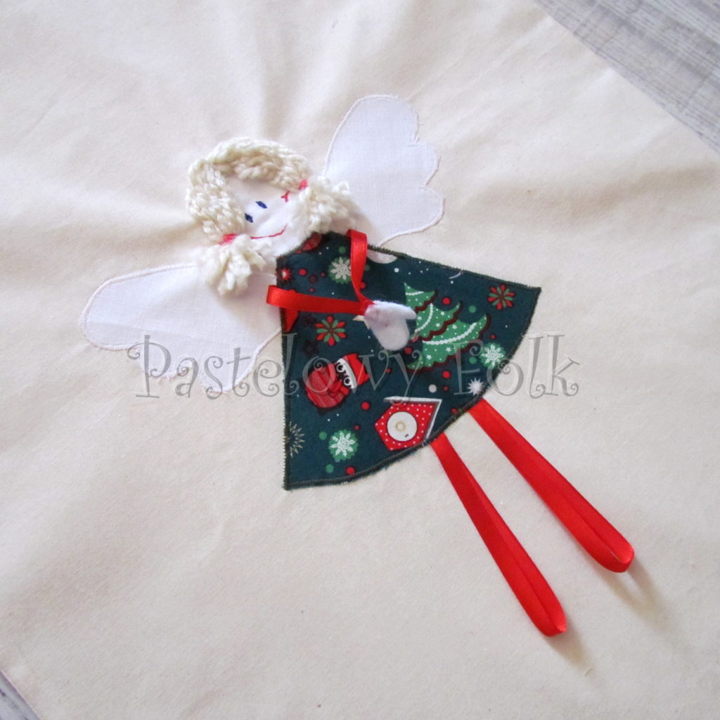 swieta-worek-pod-choinke-16_-eko-torba-na-prezenty-swiateczny-ekologiczny-bawelniany-eco-ecru-z-aniolkiem-w-zielonej-sukience-aniol-03