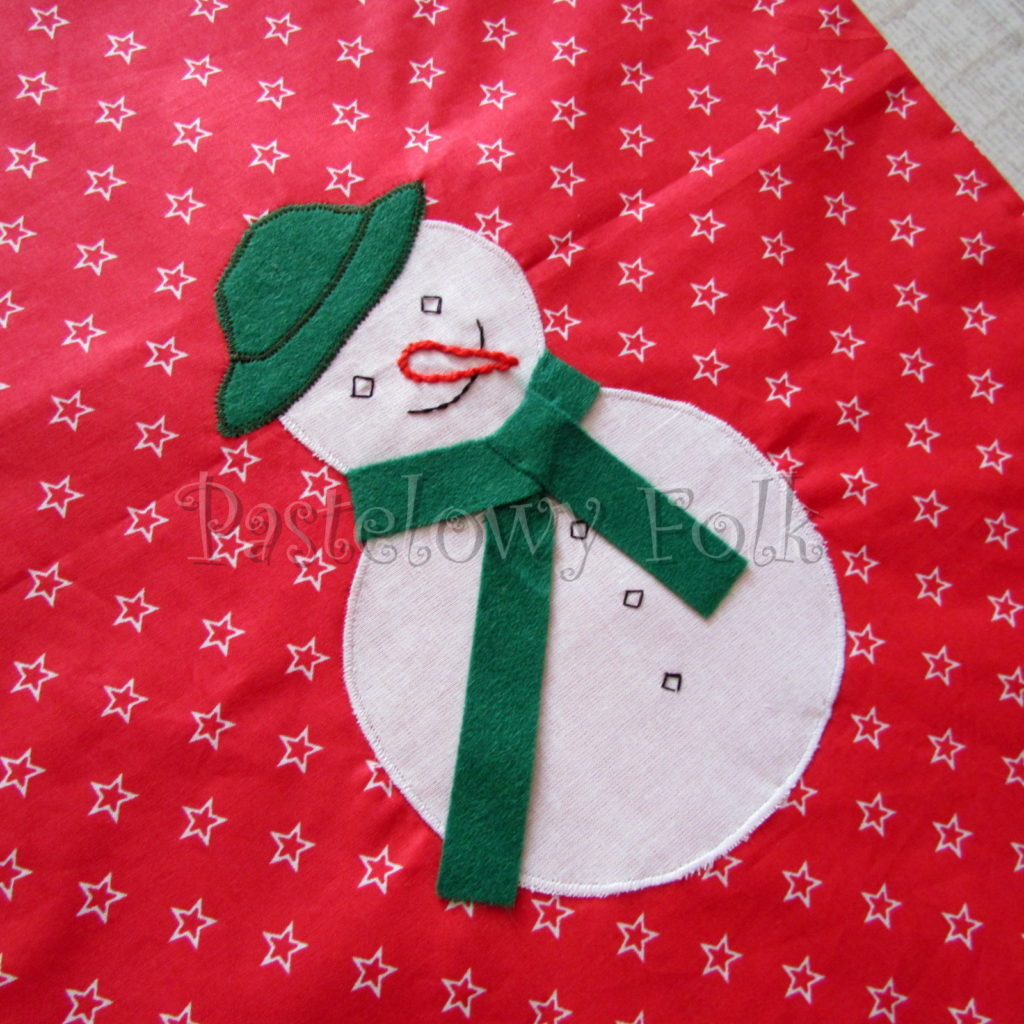 swieta-worek-pod-choinke-17_-eko-torba-na-prezenty-swiateczny-ekologiczny-bawelniany-eco-czerwony-w-gwiazdki-z-balwanki-w-zielonym-kapeluszu-03