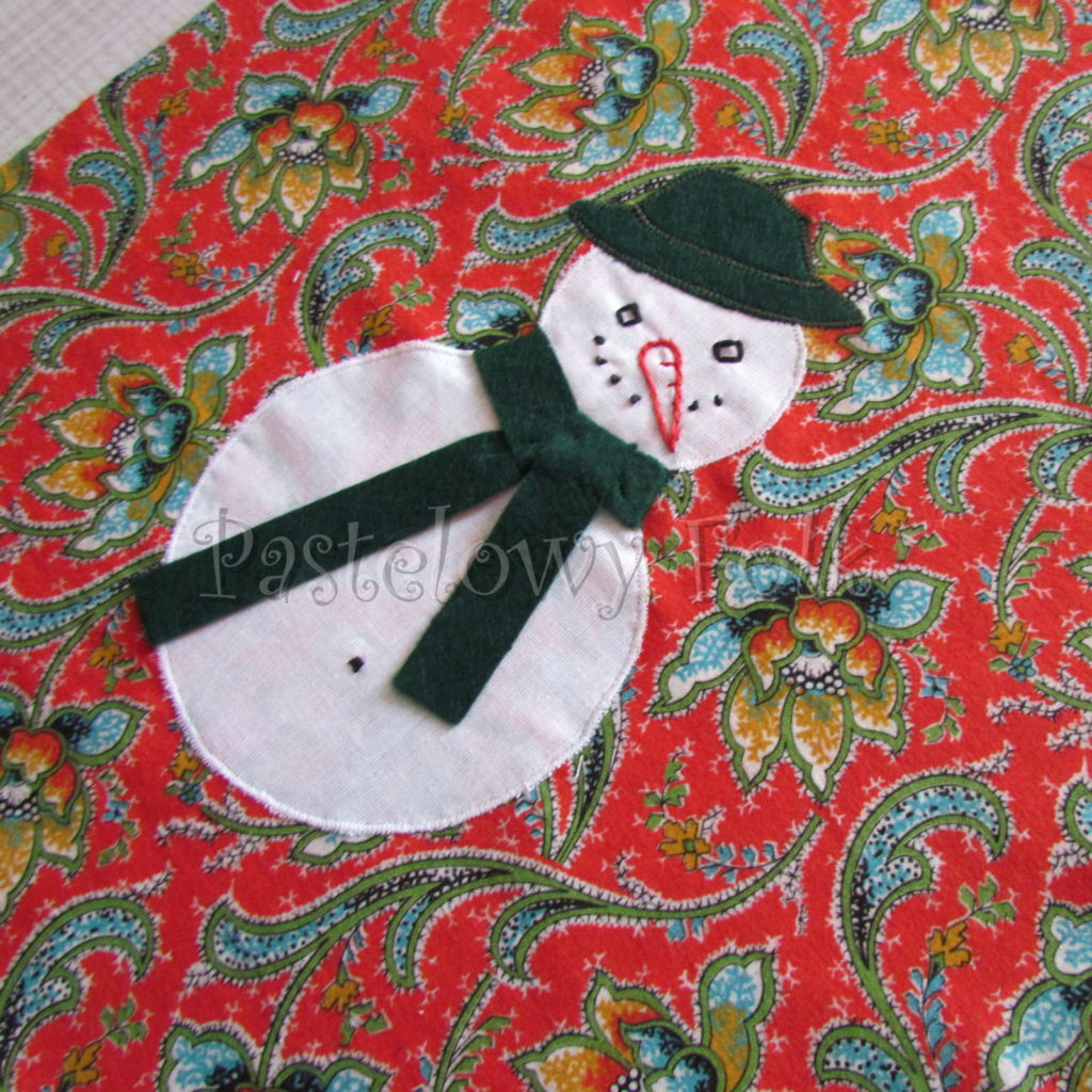 swieta-worek-pod-choinke-21_-eko-torba-na-prezenty-swiateczny-ekologiczny-bawelniany-eco-czerwony-wzor-z-balwankiem-w-zielonym-kapeluszu-03