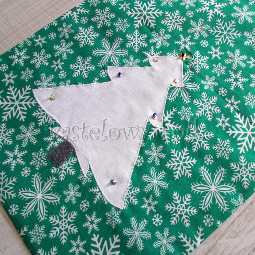 swieta-worek-pod-choinke-40-_-eko-torba-na-prezenty-swiateczny-ekologiczny-bawelniany-eco-zielony-w-sniezki-z-biala-choinka-03