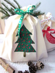TORBA EKO- 02 - torebka na prezenty świąteczna ekologiczna bawełniana eco na zakupy- zielona choinka gwiazdka złota aplikacja_06