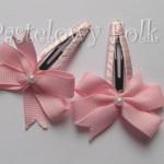 DZIECKO-spinka 04_ różowa kokardka pastelowa perełka 02