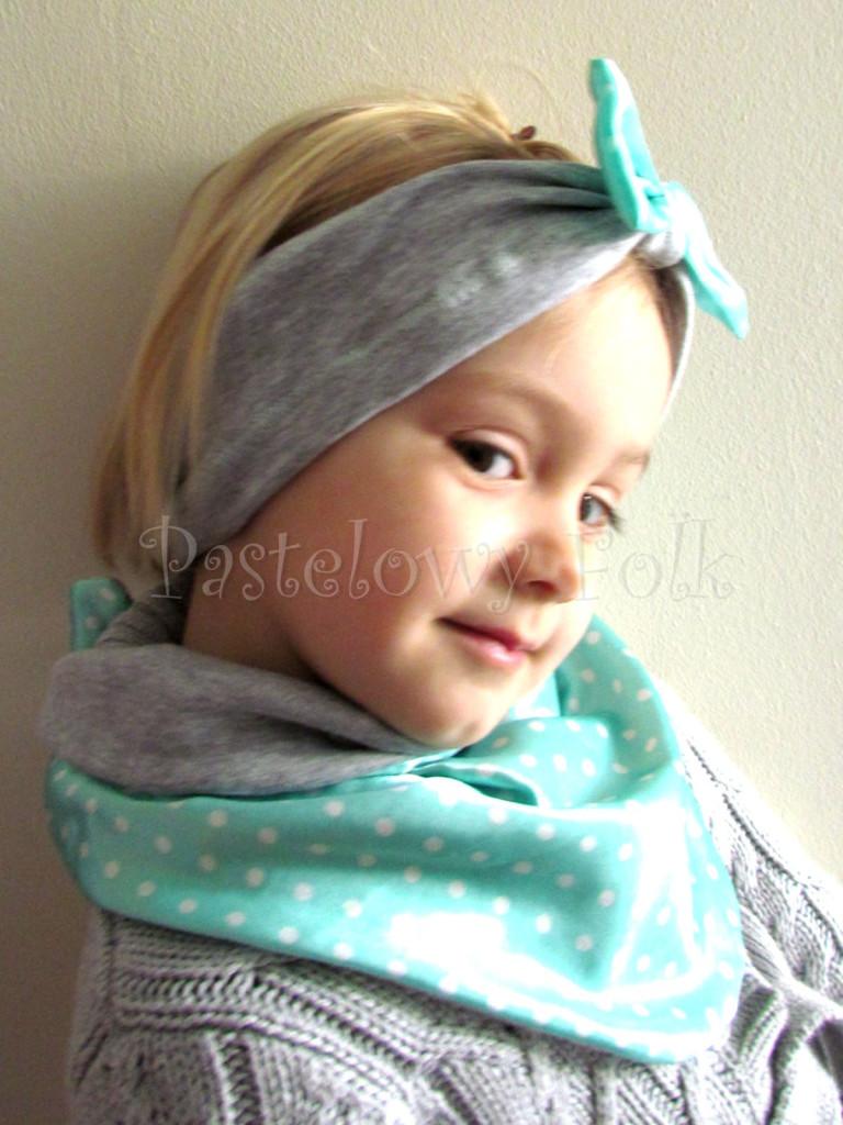 dziecko-chusteczka dla dziewczynki 09-chustka pastelowa szara dzianinowa  dwustronna, miętowa w kropki białe dla dziecka-01