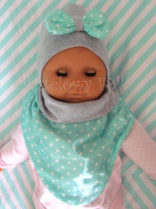 dziecko-chusteczka dla dziewczynki 09-chustka pastelowa szara dzianinowa  dwustronna, miętowa w kropki białe dla dziecka-03
