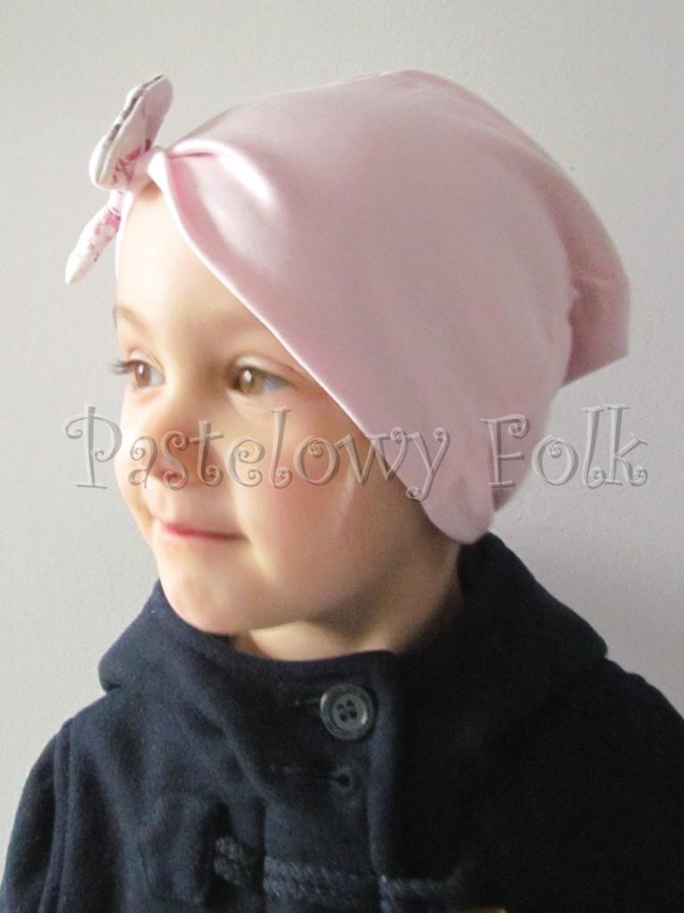dziecko-czapka 19-beanie różówa kokardka w kwiaty, dzianinowa jasnoróżowa -08