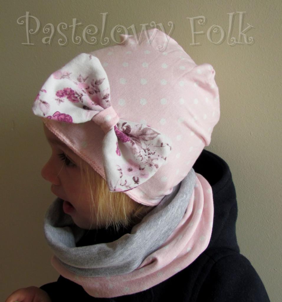 dziecko-czapka 39-dzianinowa dla dziewczynki,  różowa w białe kropki retro kokarda-03