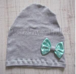 dziecko-czapka dla dziewczynki 12-retro pastelowa szara dzianinowa wiosenna jesienna  czapeczka,  kokardka miętowa w kropki białe-05