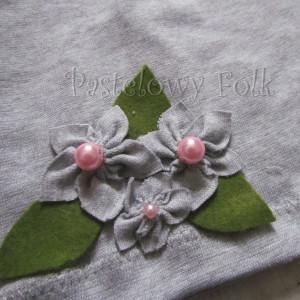 dziecko-czapka dla dziewczynki 14-retro pastelowa szara dzianinowa wiosenna jesienna  czapeczka,  kwiatki kwiat różowy-08