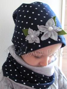dziecko-czapka dla dziewczynki 17-retro szary granatowy w kropki białe, dzianinowa, komplet komin-02