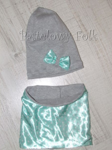 dziecko-czapka dla dziewczynki 22-retro pastelowa szara dzianinowa wiosenna jesienna  czapeczka,  kokardka miętowa w kropki białe-02