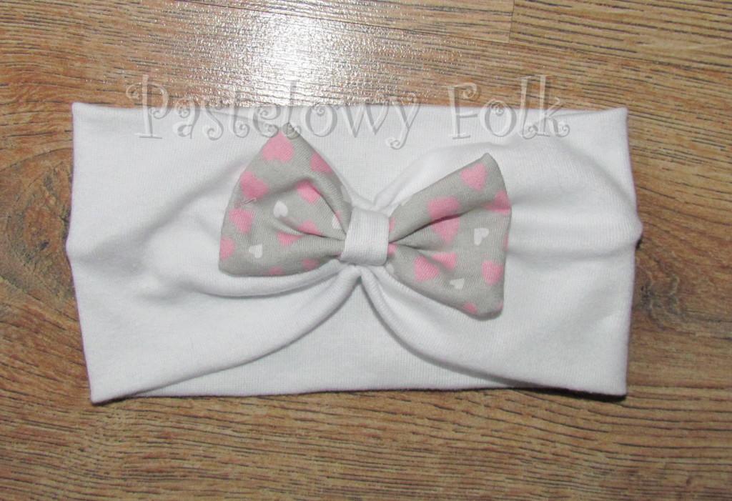 czapka dla dzieci 40-komin opaska komplet biała z kokardką szarą w serduszka różowe, dziewczynka _07