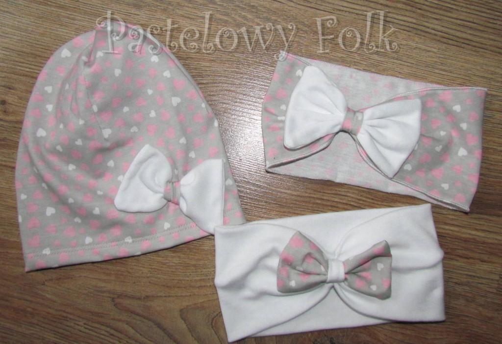 czapka dla dzieci 41-komin opaska komplet szara w serduszka różowe z białym kwiatem retro, dziewczynka _05