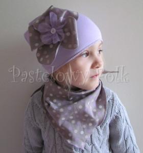 dziecko-chusteczka 12-chustka na głowę pod szyję dzianinowa brązowa beżowa w kropki kropeczki fioletowe, różowe, kremowe-04