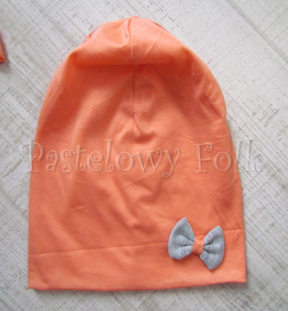 dziecko-czapka 31-beanie dzianinowa dla dziewczynki, łosowiowa pomarańczowa z szara kokardka -01
