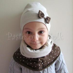 dziecko-czapka 32-beanie dzianinowa dla dziewczynki,  piaskowa beżowa szara z brązowa kokardka w kropki-05